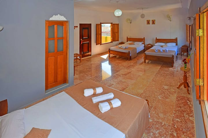 Casa Alquimista [ Room Gris # 6]