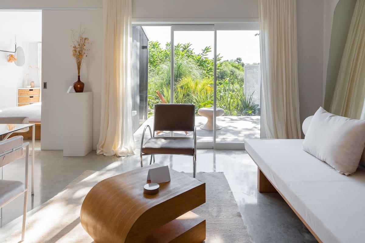 Sleek, Light-filled Studio with Outdoor Soaking Tub