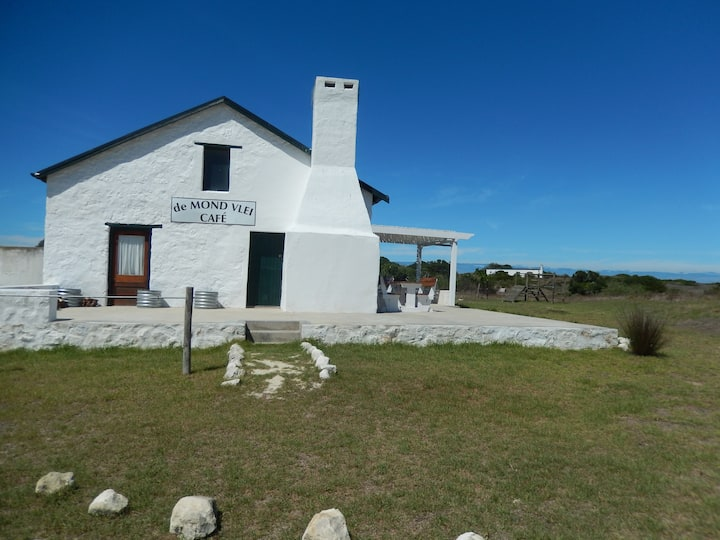 Unique Vlei Cafe Cottage