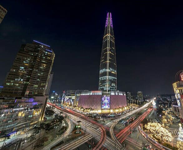 """""""Lucky House"""" 5 min from Jamsil Lotte World Tower"""