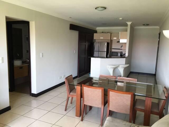 Apartamento con vistas panorámicas en resort - Santa Ana - Appartement