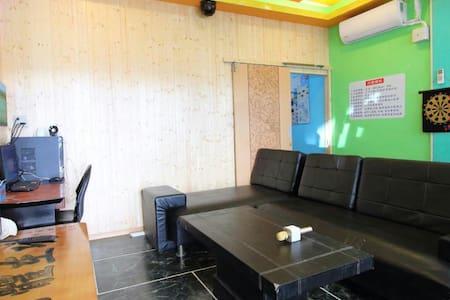 屏東車城背包客棧,簡單乾淨便宜,free wifi - 車城鄉