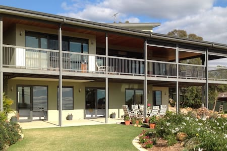 Fabulous B & B Perth Hills WA  (Shire Registered) - Kalamunda