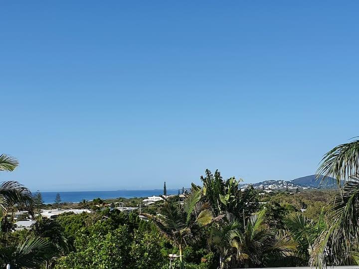 Peregian Luxury beach house with Ocean views
