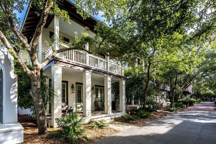 Charming 3BR/3BTH Home Close to Barrett Square in Rosemary Beach