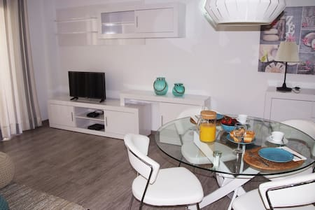 Renovado Apartamento a 1 minuto de la playa - S'Illot - Квартира