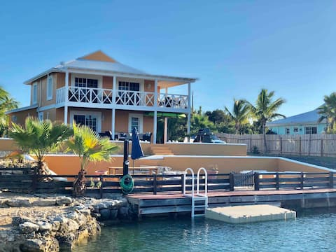 Waterfront Villa, Private Pool & Kayaks