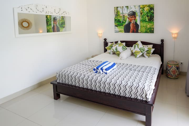 Bedroom two, luxo relaxo, curated so you can switch off and simply enjoy. Wifi, 111 transvision cable tv channels, air con, high quality mattresses, fresh bedding and all the furnishings and lil extras you could need.