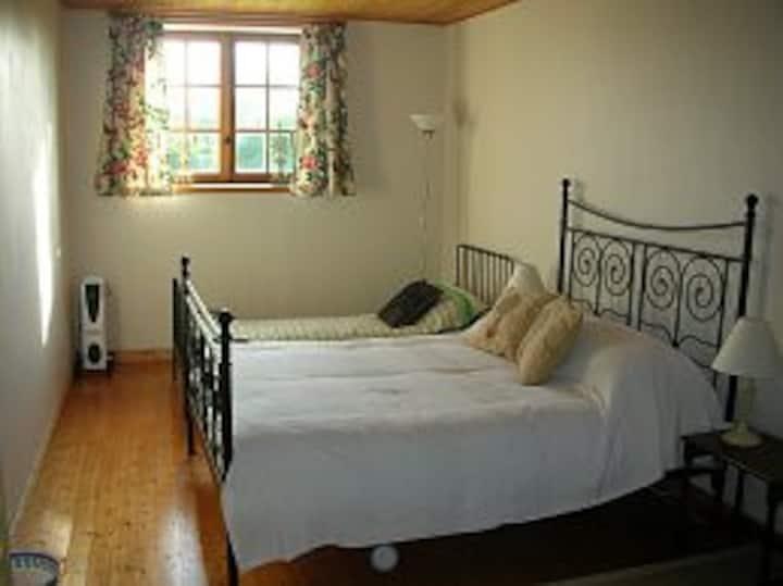 Les Tisserands - Double bed Bedroom