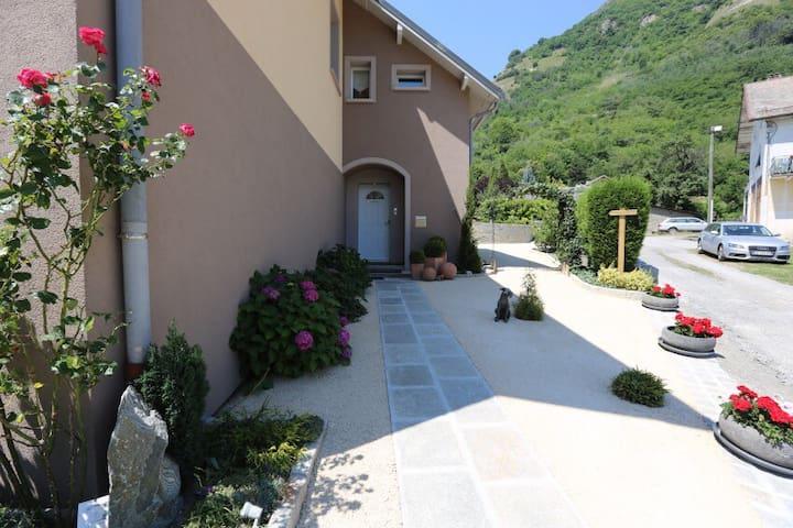 B&B pour six personnes - Saint-Jean-de-Maurienne - Rumah
