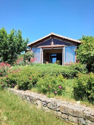Petite maison dans les gorges du Tarn