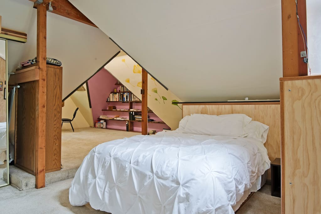 -Primary bed. TEMPUR-Cloud® foam mattress