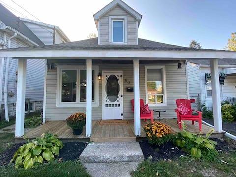 Hamilton Haven # 2: Stylish Garden Cottage