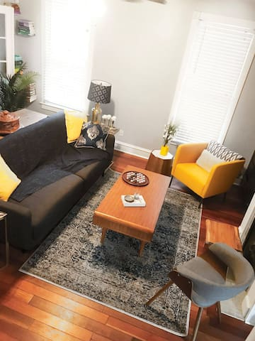Living room area great to relax and enjoy conversation or use mobile devices and laptops.