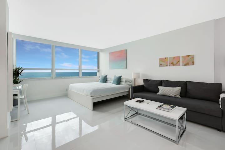Oceanfront 12th Floor Brand New Beachfront Flat