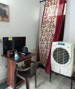 Warm Comfortable Independent Floor 1 BHK ,terrace
