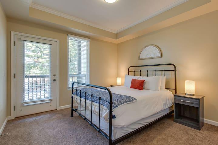 Dormigo Bright 1 Bedroom minutes drive from Centennial Park & Vanderbilt