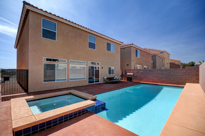CLOSE TO LV STRIP! 5BEDROOMS [2MASTER SUITES] POOL