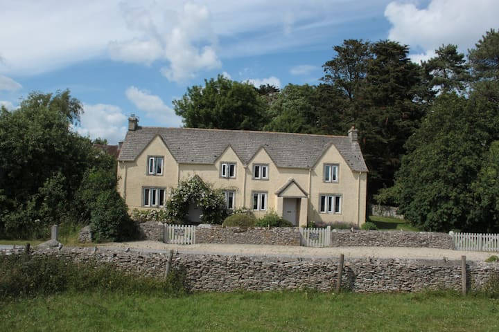 Spacious Country Cottage with private garden - Bibury