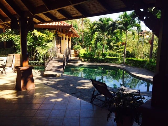 Beautiful Private Bali-Style Home - Atenas Canton - House
