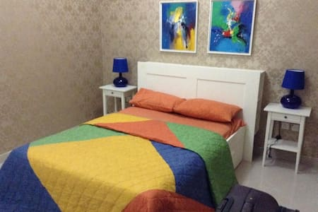 Stylish Bedroom for a Peaceful & Comfortable Stay - ドバイ - 別荘