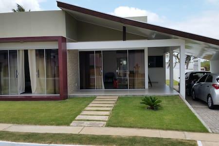 Casa em Salinas/Atalaia - Condomínio Raízes