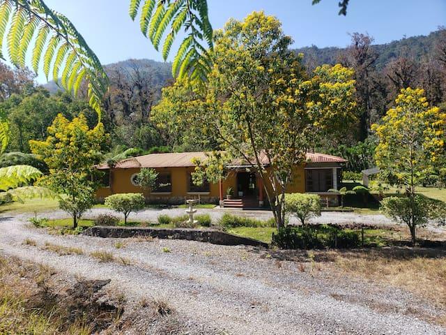 Casa de campo para 16 personas cerca del Biotopo