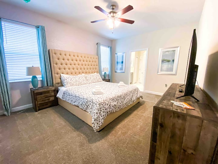 LUXURY MASTER ROOM / Near Disney, Stores & Outlet