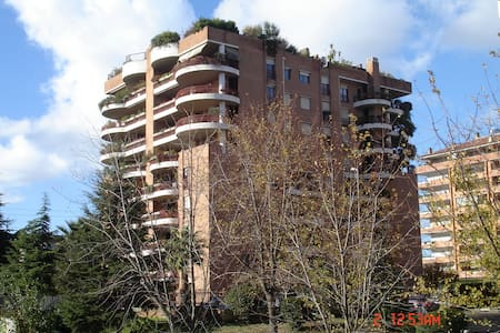 elegant flat in EUR in the business area - Roma