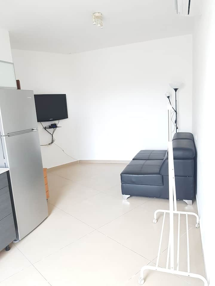 Cozy 2 rooms apartment- 5 min by beach Bat Yam