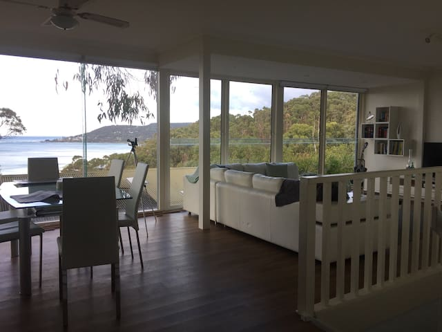 Simply Stunning Ocean and Pier View - Lorne - บ้าน