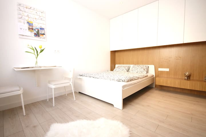 New modern apartment in the heart of city centre - Bratislava - Daire