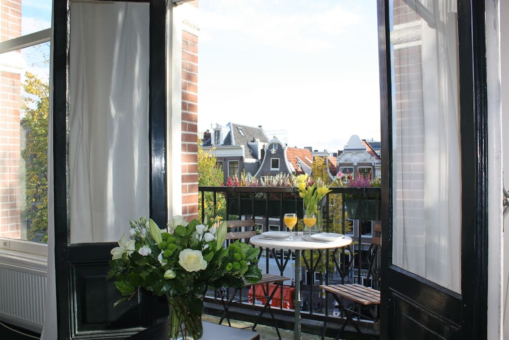 Balcony (Southfacing)