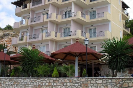 Double Rooms (Hotel Panorama) - Sarande - アパート