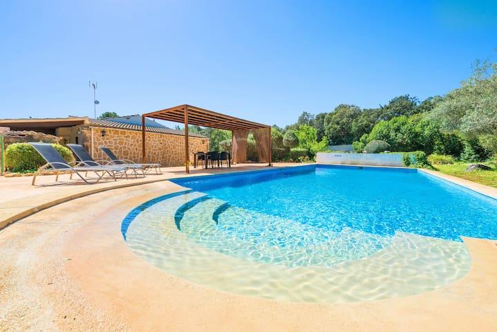 VILLA BRENDA - Villa with private pool in Sa Pobla.
