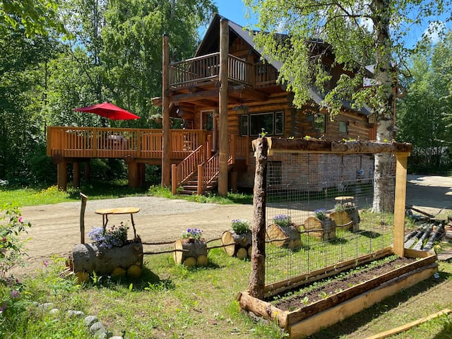 Lazy Bear Retreat at Talkeetna Lodge