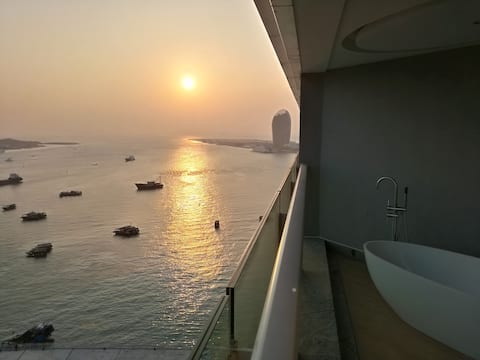 Sanya Ocean side Luxury Studio 三亚海边度假套房