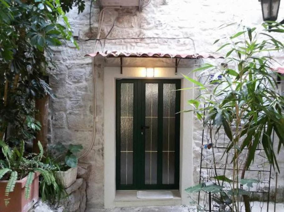 dalmatia chat rooms Results 1 - 10 of 121  book the marmontova luxury rooms - located in split old town, this apartment  building is within a 5-minute walk of marmontova street,.