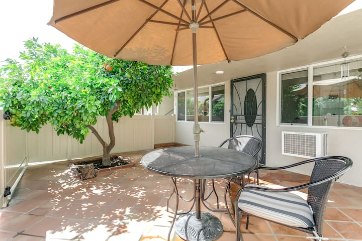 1 Bed apt. Private Patio /Universal/NoHo/Hollywood