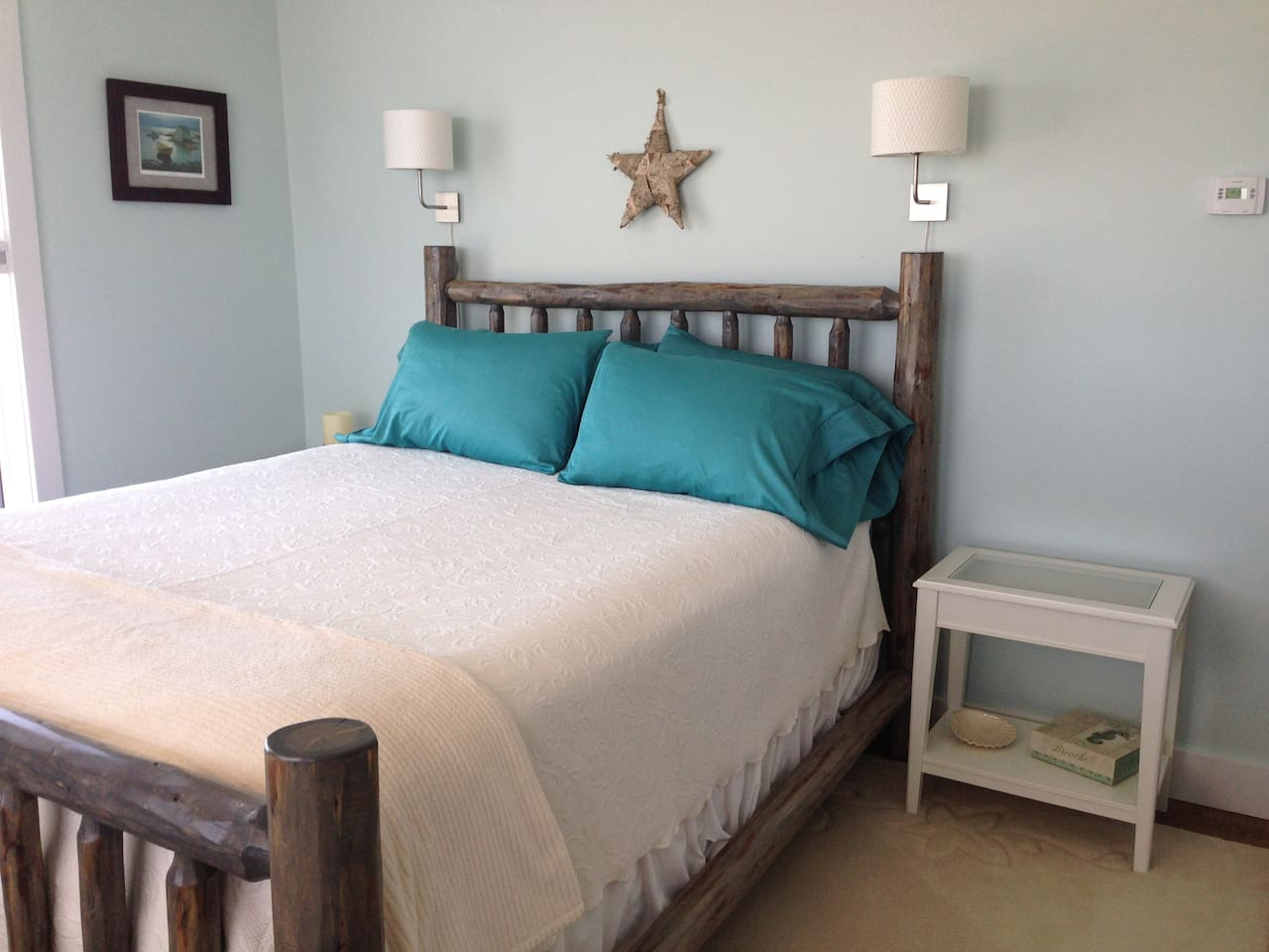Rustic Sea Inspired Queen with bay view Queen Log Bed