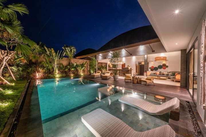 Luxury 2-Bedroom Villa With Rice Paddy View