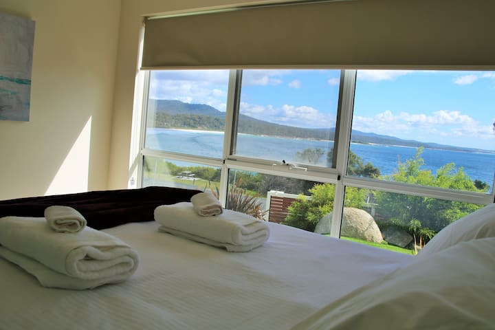 Balmoral Apartment Binalong Bay