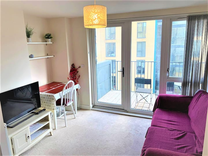 Modern Flat, 1 minute to station (Northern Line)
