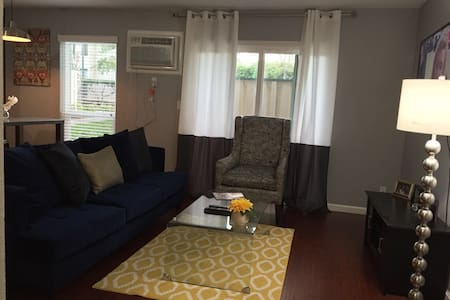 Chic Condo w/ Pool SF/WC Bay Area - Condominium