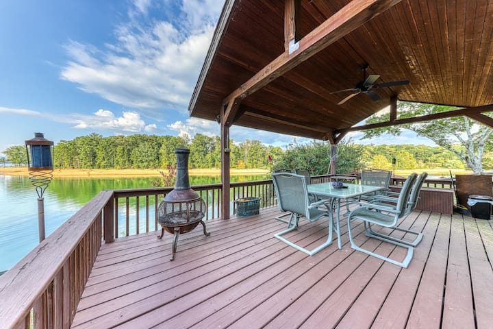 Lakefront home w/ dock, covered porches, and outdoor firepit - dogs welcome!