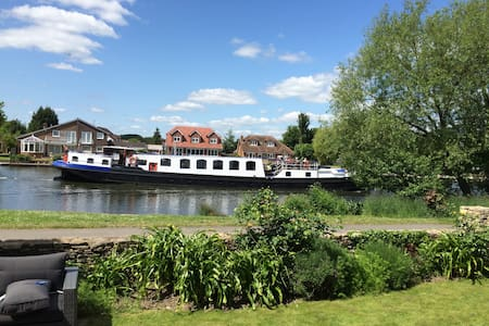River Thames Towpath,  Staines-upon-Thames - Staines-upon-Thames - Huis