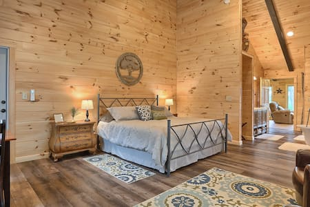 Heidi's Bed & Breakfast Log Cabin Get-Away for 2