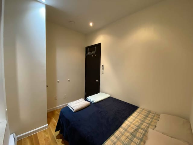 Room for 2 on Upper West Side, Close to Times Sq.