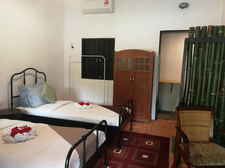 D Bambusa Heritage Room Jasmine (2 single bed)