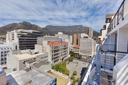 Luxury Inner City Loft with views - Cape Town